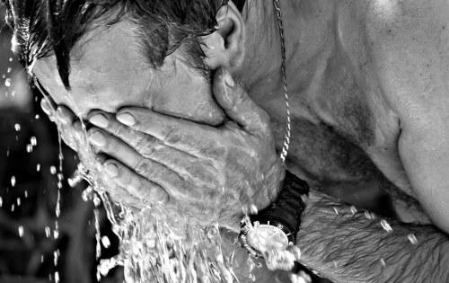 Golpe de calor: Qué ocurre en tu organismo, cómo prevenirlo y tratarlo.